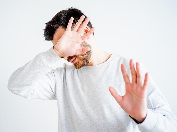 Timidez tem cura? É possível perder a timidez?